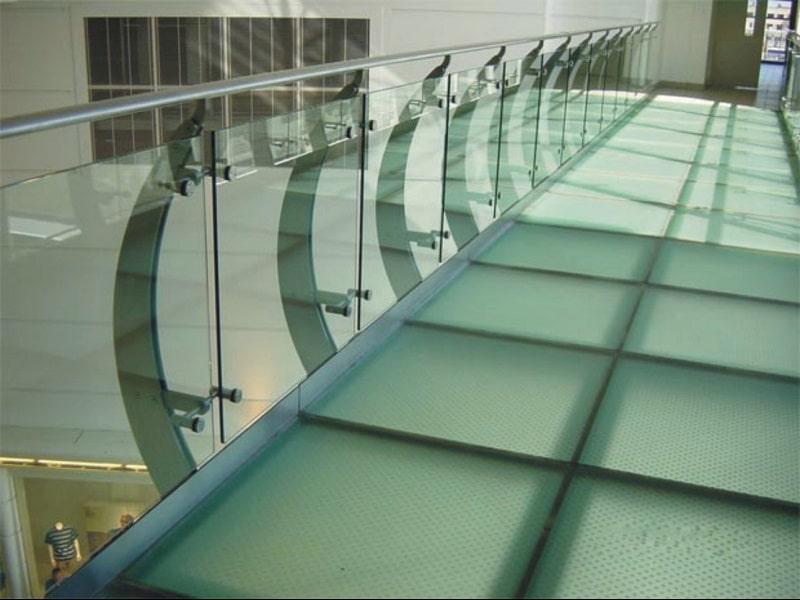 نصب کف شیشه ای و سقف شیشه ای 9