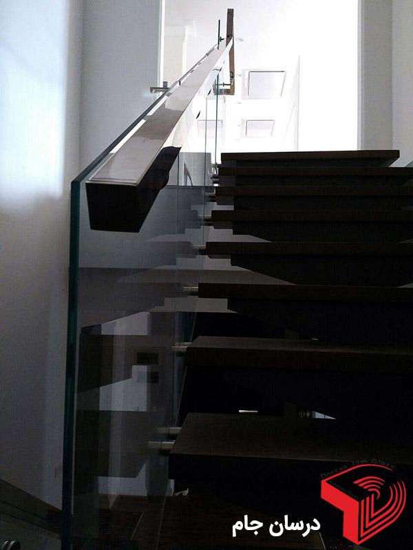 شیشه راه پله